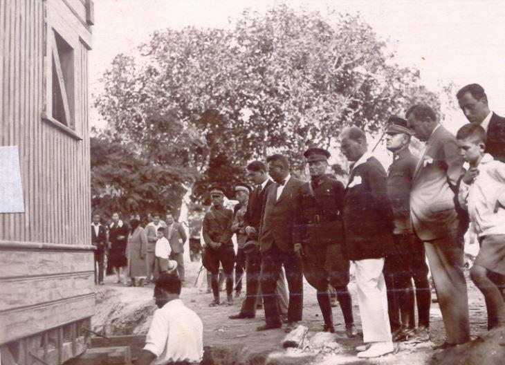 Atatürk'ün Tek Bir Ağaç Dahi Kesilmeyecek Diye, Yerinden Oynattığı Köşkün İlginç Anısı Gerçekten Çok Çarpıcı