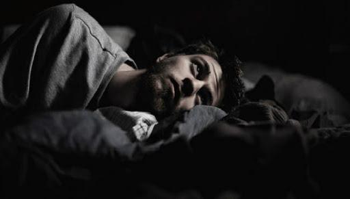 Geceleri Aynı Saat Aralığında Uyanmanın Sebeplerini Görünce Çok Şaşıracaksınız!