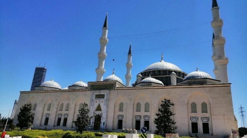 Türkiye'nin dört bir yanındaki camilerde öğle ezanından sonra sela okundu. İşte okunan selanın nedeni