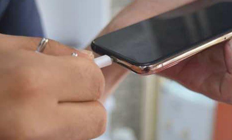 Bataryası yüzde 15 'in üzerinde doluyken telefonunu şarja takanlar dikkat!