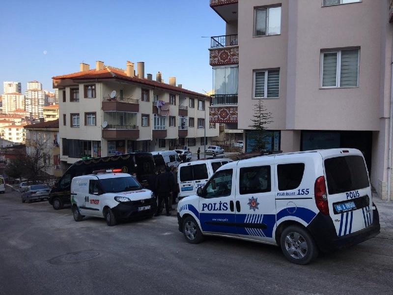 Ankara'da Korkunç Olay: Apartman Girişinde 3 Gencin Cesedi Bulundu