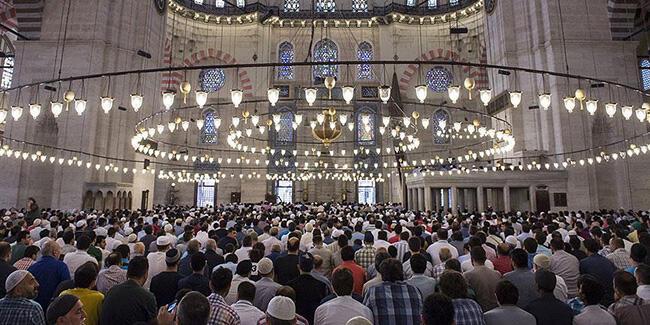 Bayram Namazı Camilerde Kılınacak mı? Diyanetten Açıklama