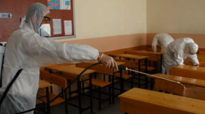Bir Ortaokulda Öğrencilerde Ve Öğretmenlerde Korona Çıktı; 24 Öğrenci Karantinaya Alındı