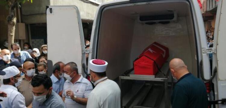 Dün İstanbul'da Şehit Düşen Polisimizin Cenazesinde Yürek Yakan Anlar