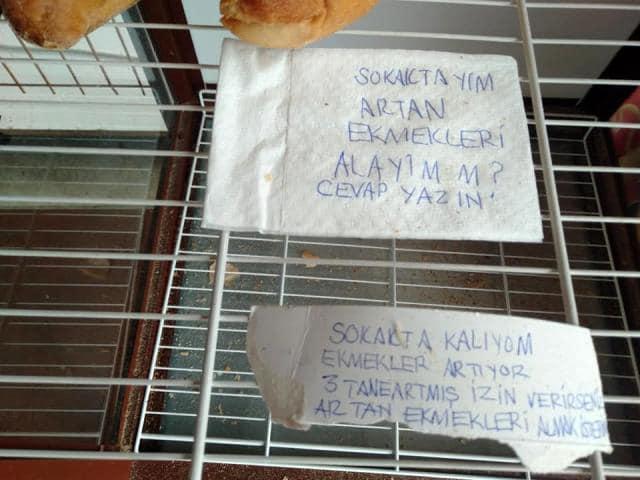 Ekmek dolabından çıkan not yürekleri sızlattı: Sokaktayım, artan ekmekleri alayım mı?