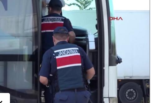 Ev karantinasında olması gereken kadın, yolcu otobüsünden çıktı: Bahanesi ile pes dedirtti