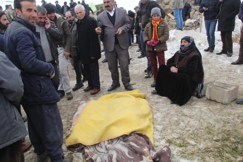İran'da Yaşanan Deprem Van'ı Vurdu: Van'da Deprem Nedeniyle Ölenlerin Sayısı Artıyor