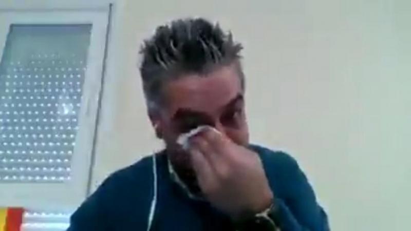 İspanyol Doktor Gözyaşları Dökerek Anlattı. Cihazları Yaşlılardan Çıkartıp Gençlere Takıyoruz Ve