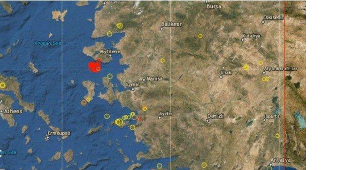 İzmir Sallanmaya Devam Ediyor: İzmir'de Yine Halkı Sokağa Döken Deprem