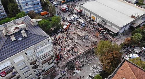 İzmir'de Yaşanan Depremin Ardından İnsanlığın Çürüdüğünü Gösteren Olaylar