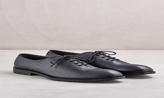 Nazım Hikmet ...  O bayram bana ayakkabı almaya karar verdiler.