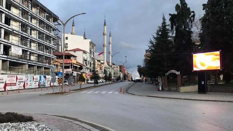 Örnek Alınacak Bir Davranış. Türkiye'de Bir İlk. Bir İlçe Kendini İzole Etti.