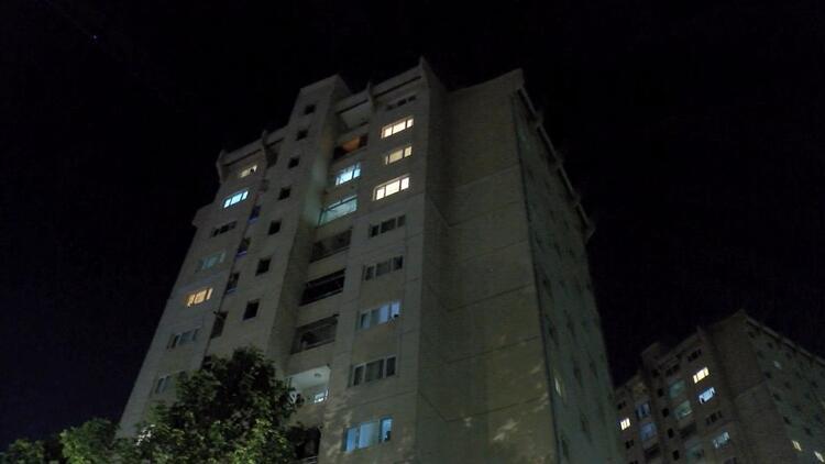 Pes dedirten korkunç olay:  Kocasını bıçakladı, çocuğunu 11'nci kattan atmak istedi