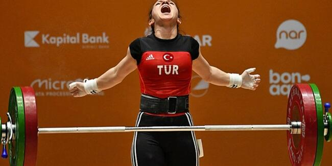 Şaziye Erdoğan Halterde Dünya Şampiyonu Oldu