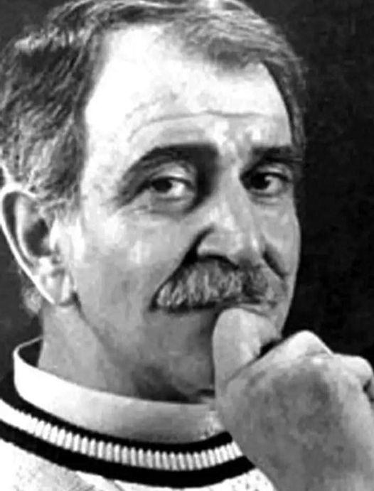 Ülkü, 20 Şubat 1937'de, Gaziantep'te dünyaya geldiğinde, geleceği konusunda şanslıydı.