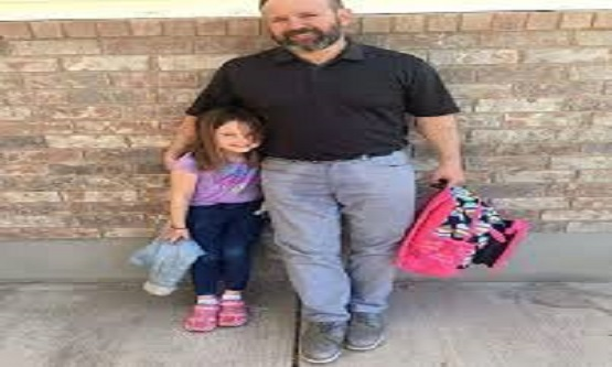 Kreşte Altını Islatan Kızını Almaya Giderken Öyle Bir Şey Yaptı ki! Gören Herkes Şok Oldu
