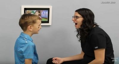 6 Yaşındaki Çocuk Konuşamıyordu, Diş Hekimine Gittikten Sonra Bakın Nasıl Konuşmaya Başladı