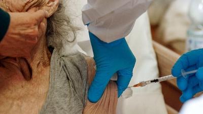 Akıl Almaz Olay: Sadece 1 Doz Aşı Olması Gerekirken