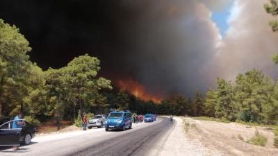 Antalya'da Korkunç Orman Yangını: Yangın Engellenemiyor, Yangın Kent Merkezine İlerlemiş Durumda