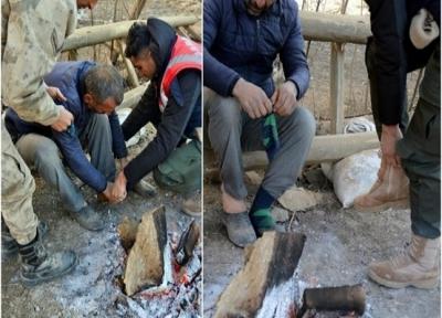 Ayağındaki Çorabı Depremzedeye Giydiren Asker Herkesi Ağlattı