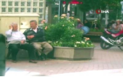 Bankta Oturan Yaşlı Vatandaşlar Bir Anda Neye Uğradıklarını Şaşırdı