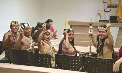 Bu Amazon kabilesi büyük petrol şirketlerine olan karşı davayı kazandılar. Amazon'daki milyonlarca ağacı kurtardılar.