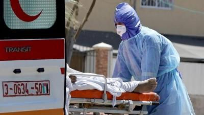 Corona virüsünde en acı fotoğraf belkide budur: Doktordan coronadan dolayı ölen eşine son bakışı