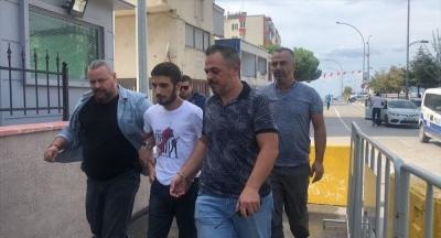 Evinde 50 Yerinden Bıçaklanmış Olarak bulunan Kadının Katili Oğlu Çıktı: Bakın Kendini Nasıl Savundu