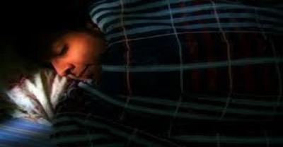 Karanlıkta Uyuyarak Kanserden Korunabilirsiniz. Nasıl mı?