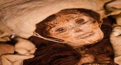LOLAN, Dünyanın En Güzel, En Yaşlı Türk Kadını