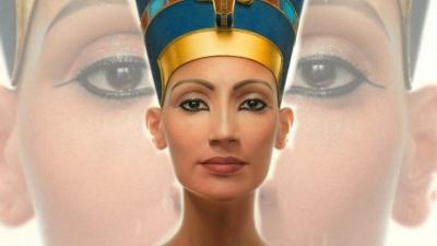 Nefertiti, Mısır kraliçesi, Mısır Firavunu IV. Amenhotep'in eşi, Firavun Tutankhamun'un kayınvalidesidir