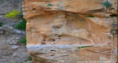 Şırnak'ın 6 bin yıllık Kasrik beldesinde bulunan binlerce yıllık heykel, defineciler tarafından yıpratılıyor.