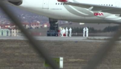 Son Dakika; Havaalanında Koronavirüs Alarmı: THY Uçağı Acil İniş Yaptı