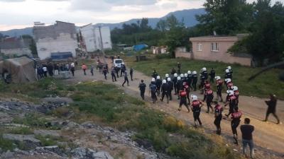 Son Dakika: İki Grup Arasında Silahlı Çatışma Sonucu Bir Polisimiz Şehit Düşerken Çok Sayıda Yaralımız Var