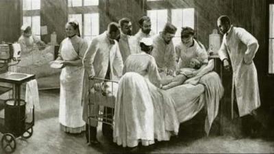Tarih 1850...  Viyana Hastanesi.  Hastaneye kaos hakim.