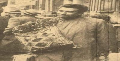 Yaşar Kemal'in omzunda heybesiyle köyden kente geldiği gün...