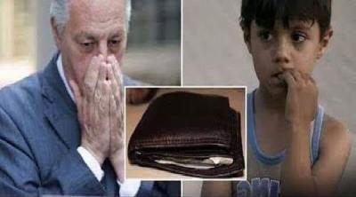 Zengin Adamın Kaybolan Cüzdanını Bulup Getiren Fakir Çocuk, Bakın Karşılığında Zengin Adamdan Ne İstedi.